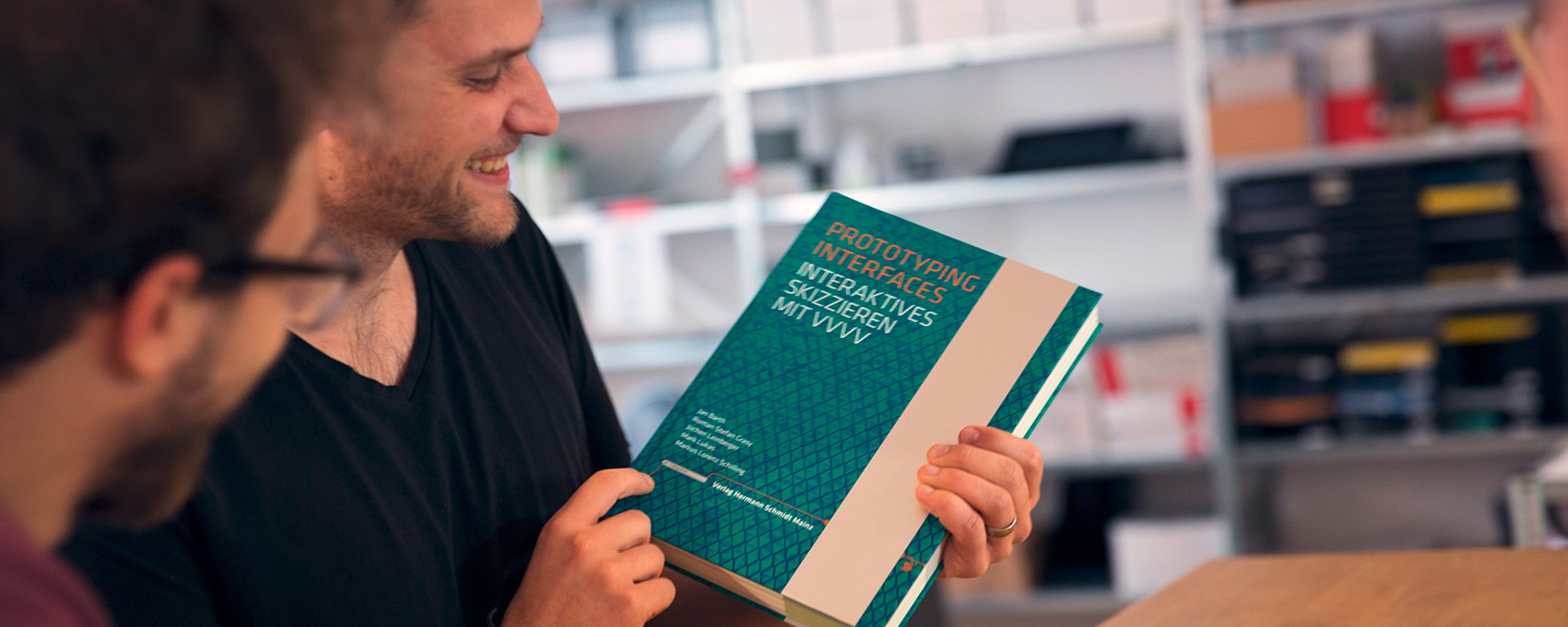 Intuity Fellow Roman präsentiert das Buch Prototyping Interfaces