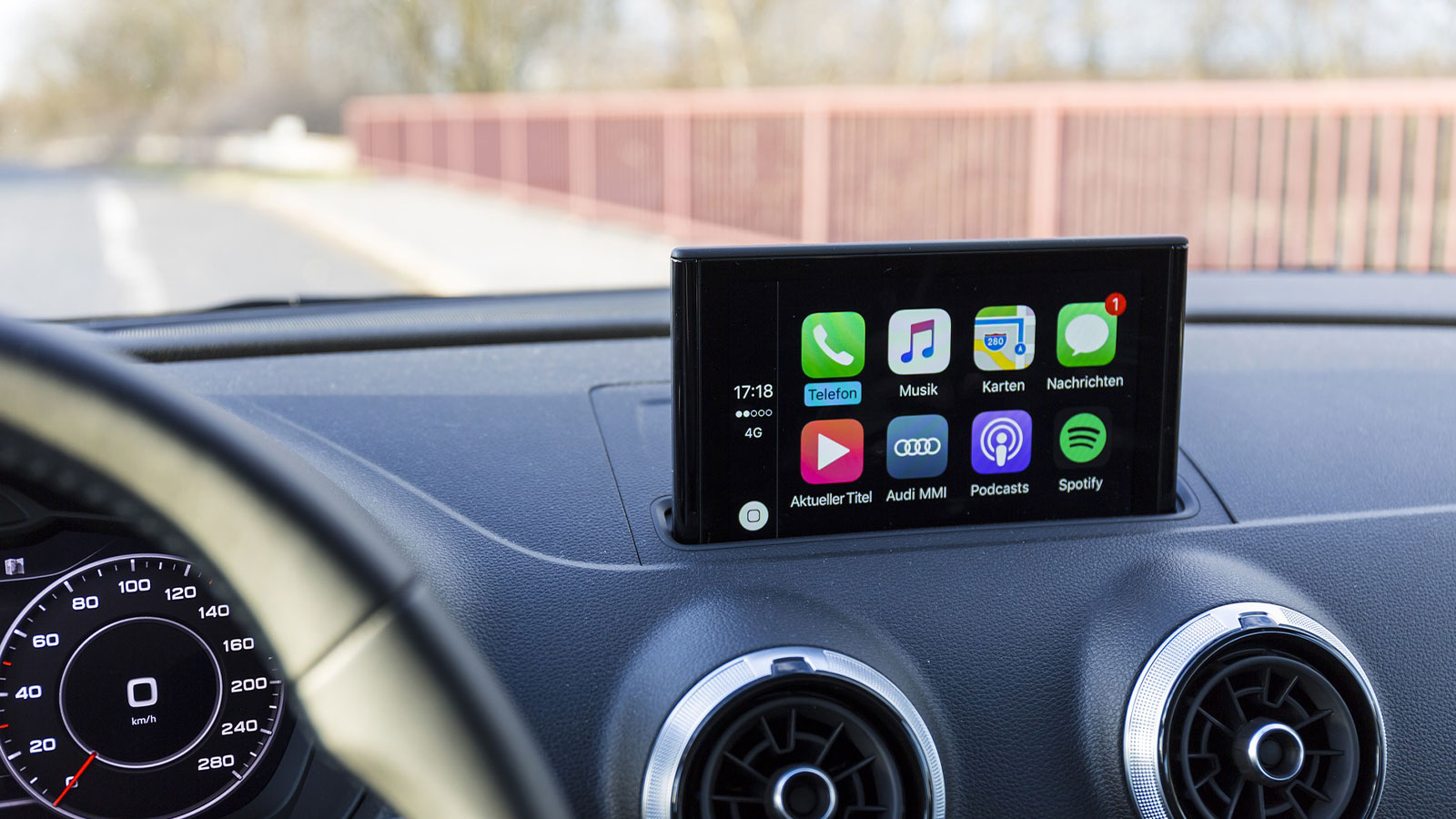 From pull to push: Why Apple CarPlay and Android Auto drive automotive User Experience to a new level